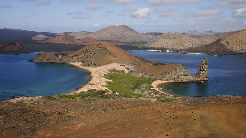 最初に登録された世界遺産、ガラパゴス諸島の貴重な固有種を見に行こう!