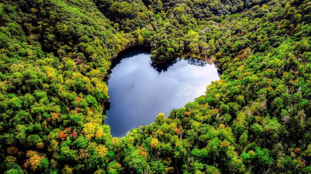 【北海道】豊似湖とは?えりも町のハート形の秘境湖💛