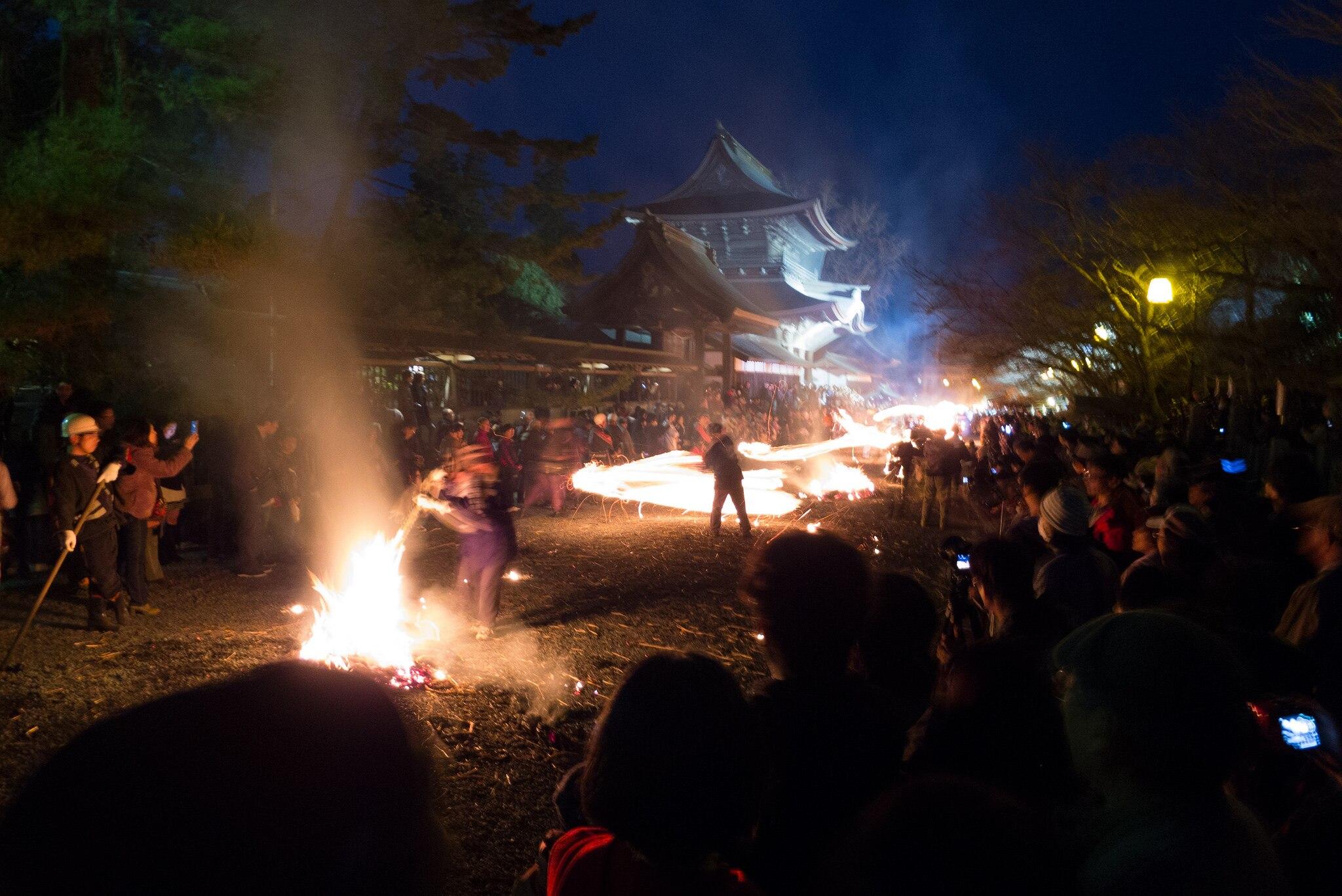 熊本県のカルデラと人々を魅了する阿蘇地方のお祭り・5選