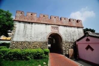 高雄市 鳳山区の旧鳳山県新城の東便門