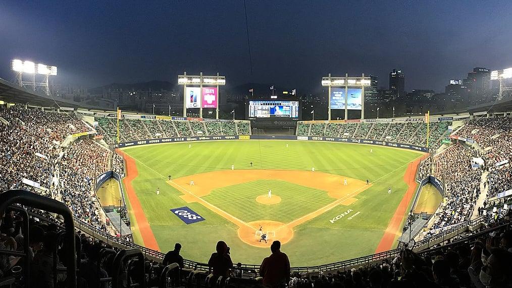 野球ファンなら蚕室(チャムシル)野球場へGO!韓国の野球文化も面白い