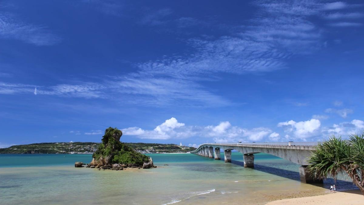沖縄をレンタカーで満喫しよう!沖縄本島で人気のドライブコースを紹介