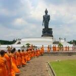 プッタモントンにある仏像