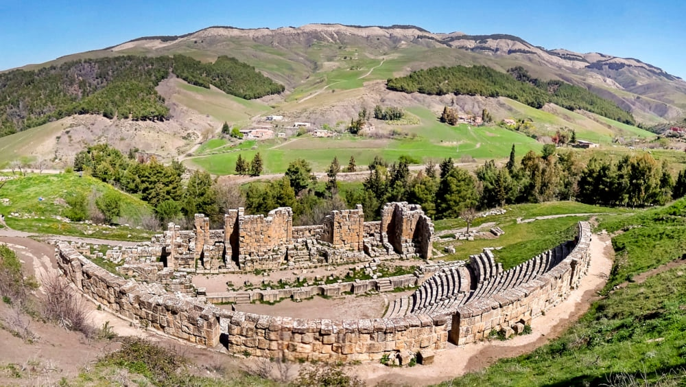 北アフリカの花と謳われた美しきローマ遺跡!アルジェリアの世界遺産ジェミラ