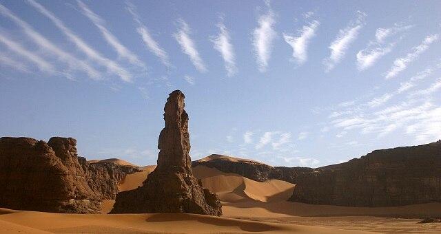 サハラ砂漠に残る世界遺産、タドラット・アカクスのロック-アート遺跡群
