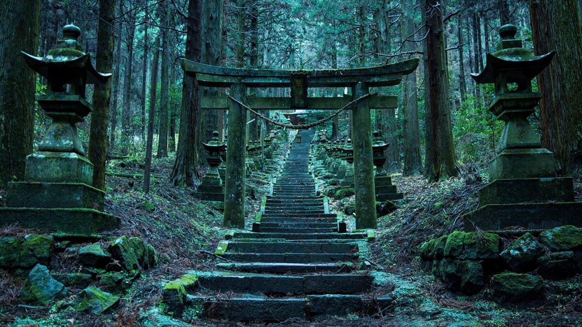【熊本/高森町】上色見熊野座神社とは? | 神秘的な伝説とアニメの舞台