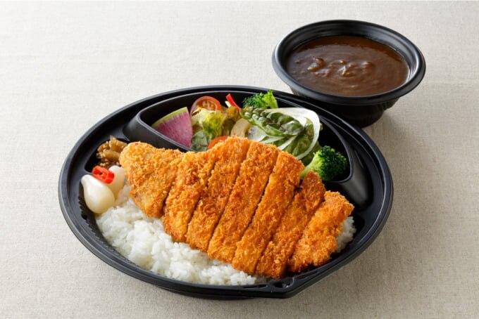 札幌東急REI ホテル「お部屋でランチ 11-3 寛ぎの4時間」上富良野産地養豚のカツカレー