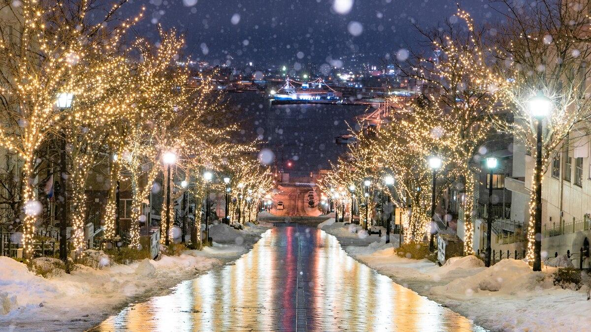 【函館】はこだて冬フェスティバルはイルミネーションと夜景・花火が印象的!