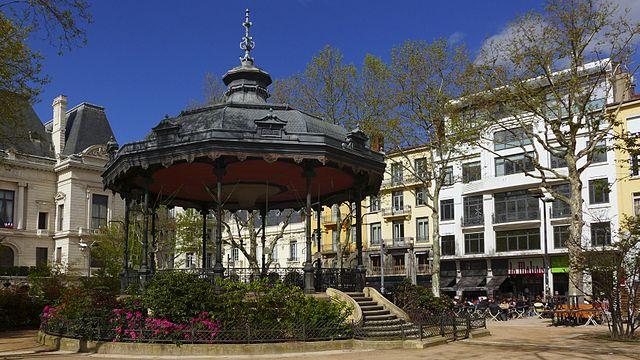 skyticket 観光ガイド中世ヨーロッパの街並みが残るレンガの街・カストルの観光スポット5選
