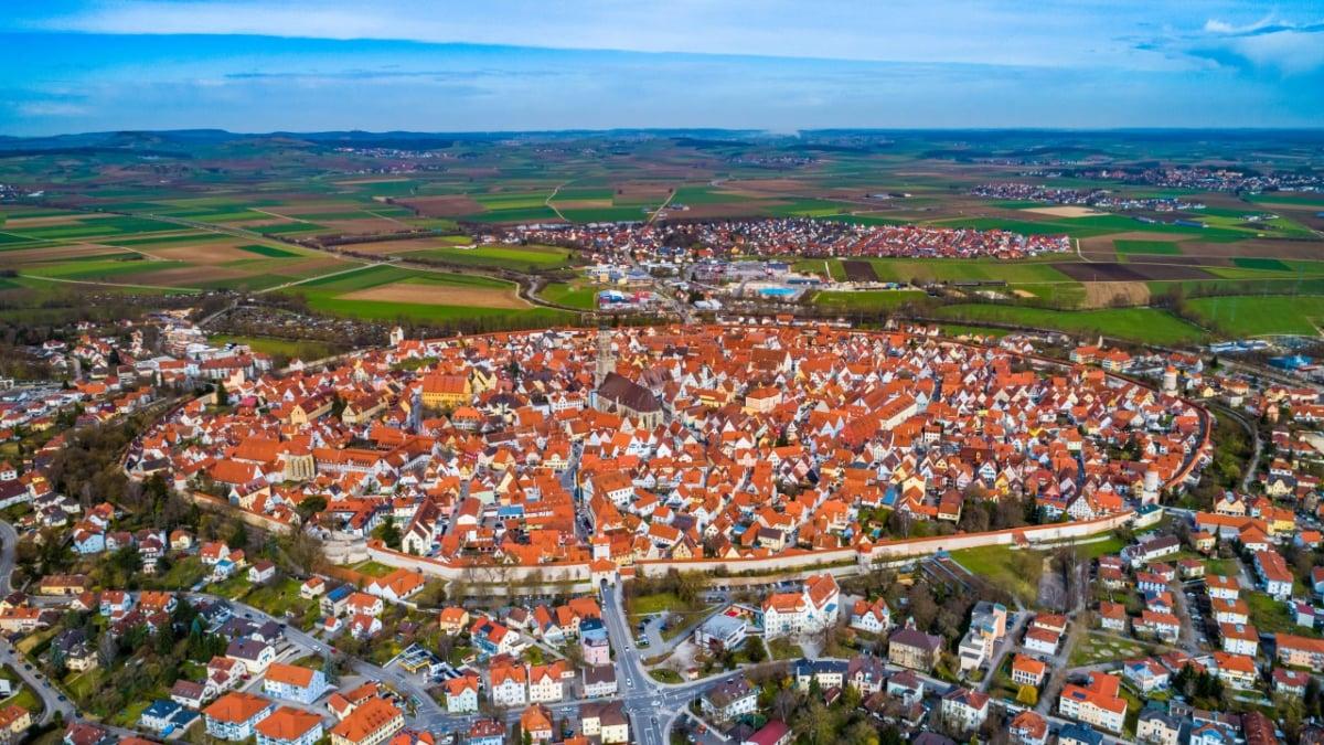 【ドイツ/バイエルン】ネルトリンゲンは『進撃の巨人』のモデルの街!