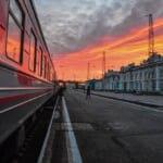 駅に停車するシベリア鉄道