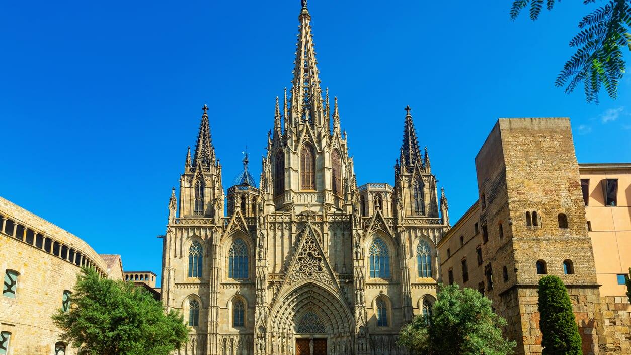 バルセロナで最も美しいと称される「サンタ・エウラリア大聖堂」とは?