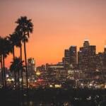 夕暮れ時のロサンゼルスの街並み