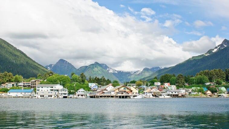 アラスカの旧首都シトカの歴史と自然を満喫する観光スポット7選!