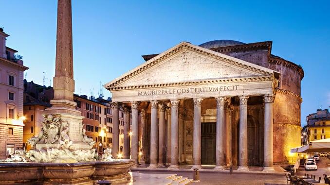 古代ローマのあらゆる神々が眠るパンテオン