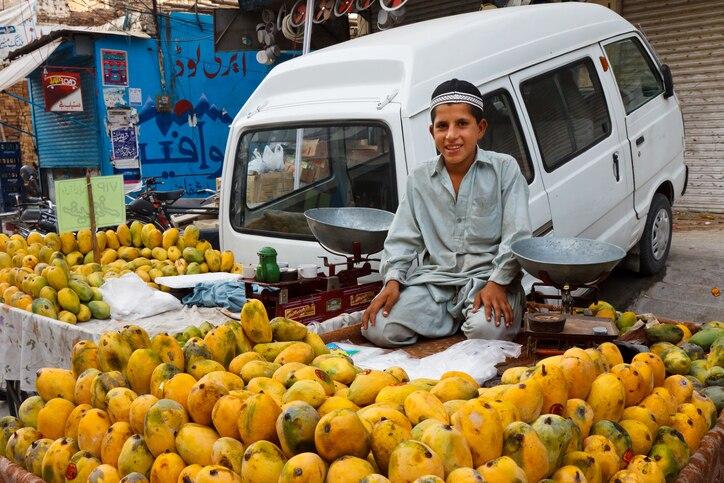 パキスタンのショッピング:ショッピングモールやバザールで買い物をしよう
