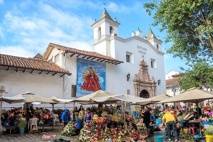 美しい街並みが広がるエクアドルでショッピングを楽しもう!