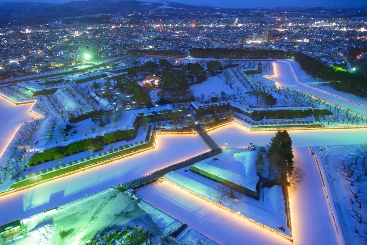 函館・五稜郭公園を散策観光。五稜郭タワーから、星型の城郭も見てみよう