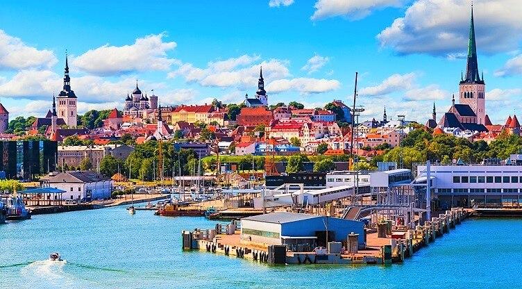エストニアは治安良好!夏季の観...