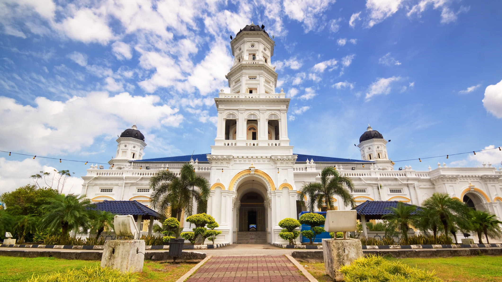 ジョホールバル観光で訪れるべき「アブ・バカール・モスク」の魅力とは?