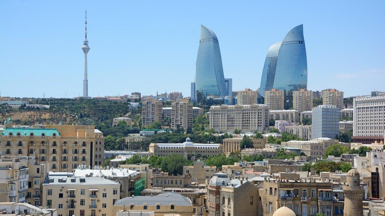 アゼルバイジャン観光ならここへ...