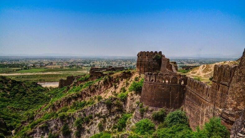 パキスタンに築かれた難攻不落の巨大要塞!世界遺産ロータス城塞