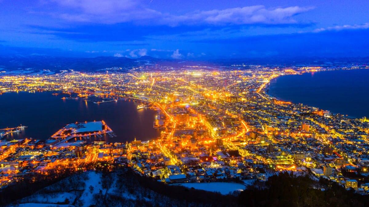 函館山の夜景|ゴールデンタイムに朝夜景!日本三大夜景の楽しみ方&アクセス