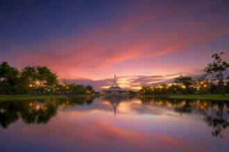 ラーマ9世公園はバンコクのプラウェット地区にある公共公園です