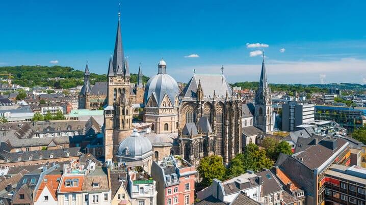 ドイツが誇る世界遺産第1号!「アーヘン大聖堂」の魅力に迫ります ...