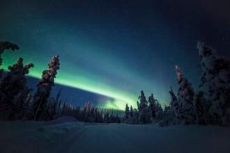 フィンランドのクーサモで撮影されたオーロラ