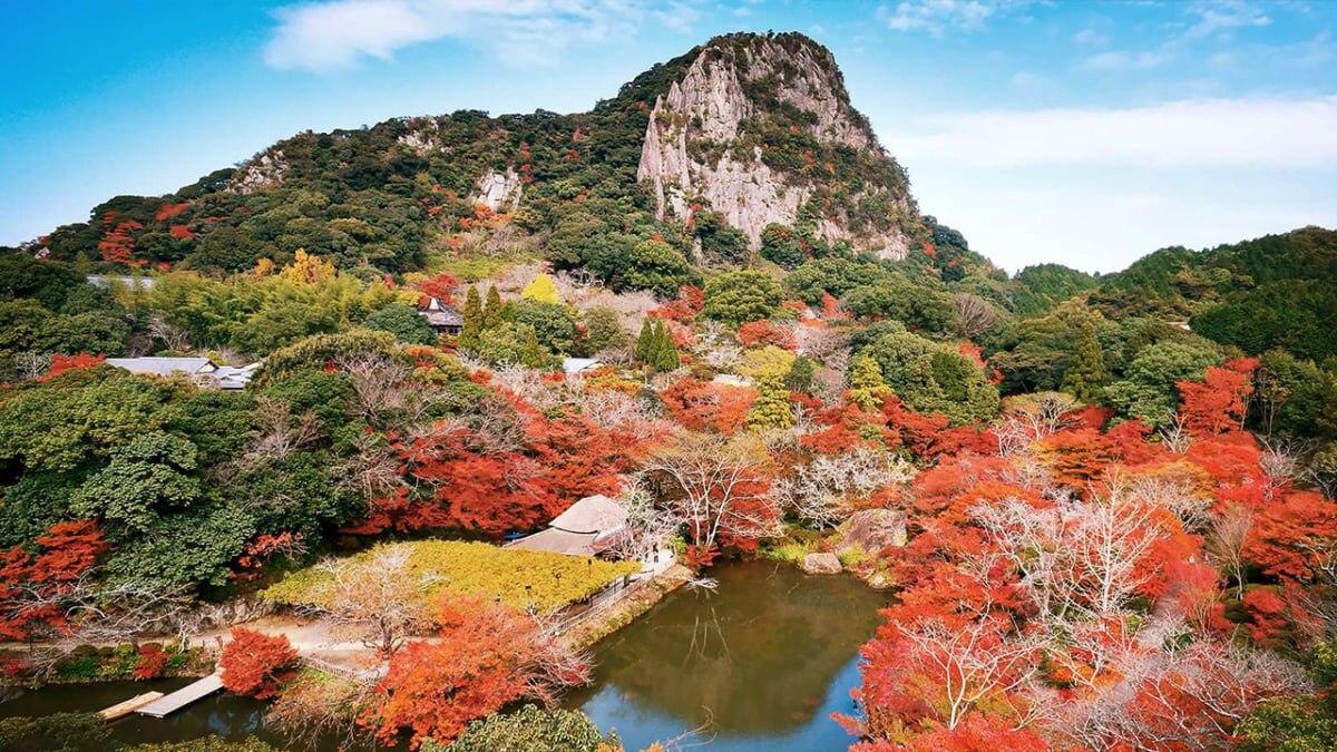 その美しさに、息が止まる。佐賀・武雄の秋の絶景紅葉スポット3選