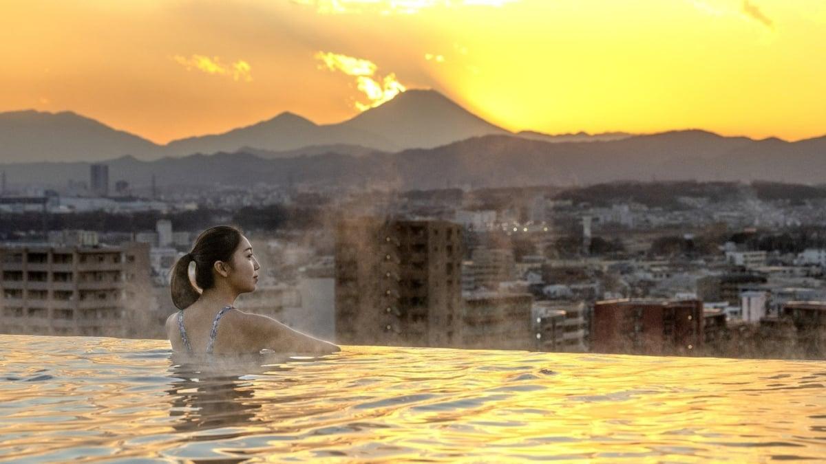 SORANO HOTEL (ソラノホテル)東京・立川に誕生した屋上インフィニティプールが話題に!