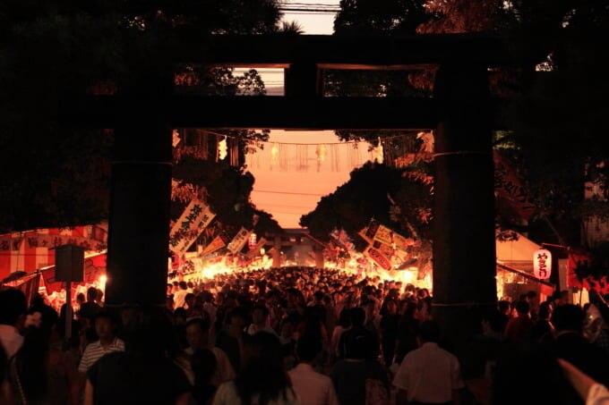 夜の福岡3大祭り筥崎宮放生会大祭の風景