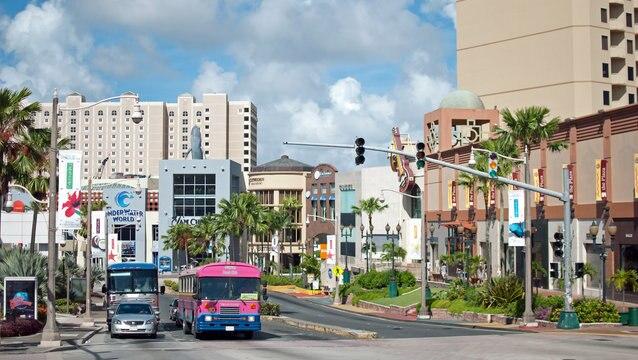 グアム国際空港からシャトルバスを利用する方法について紹介!