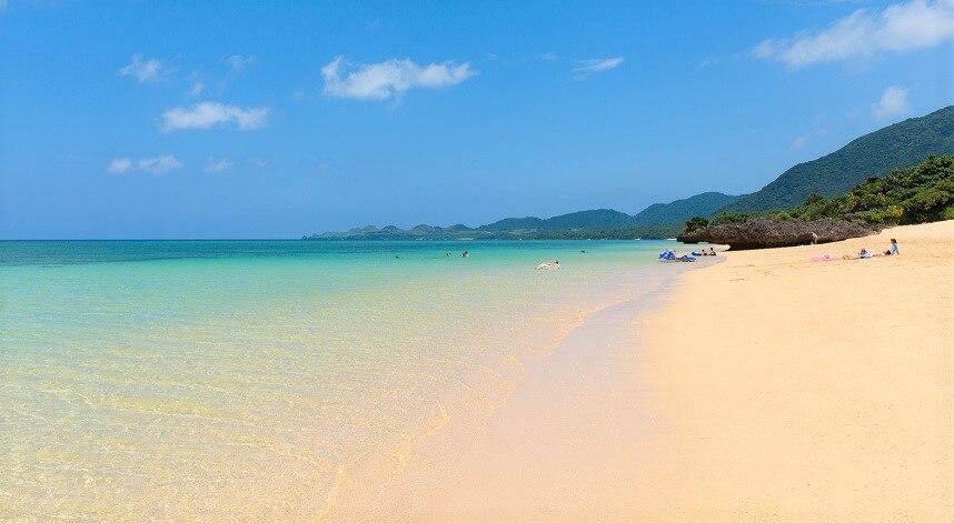 石垣島のビーチ12選!設備やアクティビティが整った定番から穴場まで