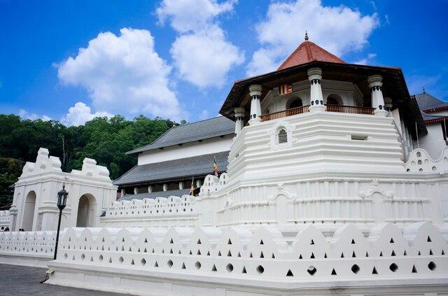 スリランカの古都、世界遺産・聖地キャンディの見どころをご紹介!