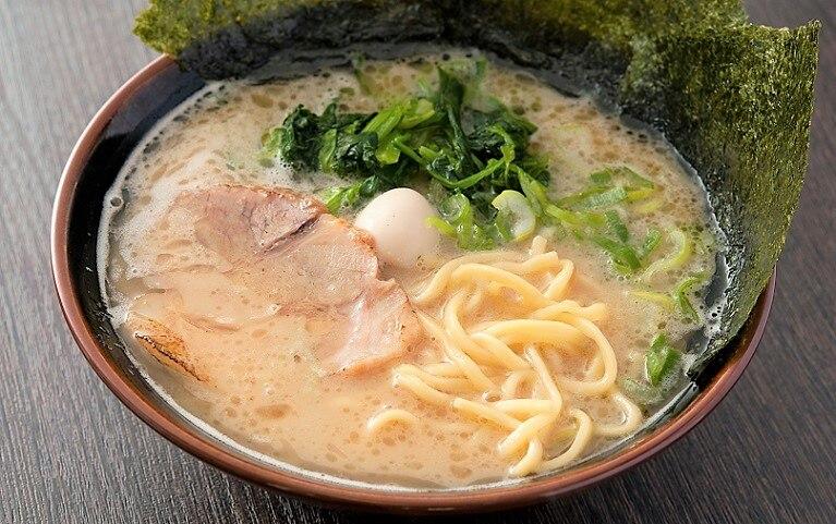 インパクトはこちらも十分!富山市でおすすめの豚骨ラーメン4選