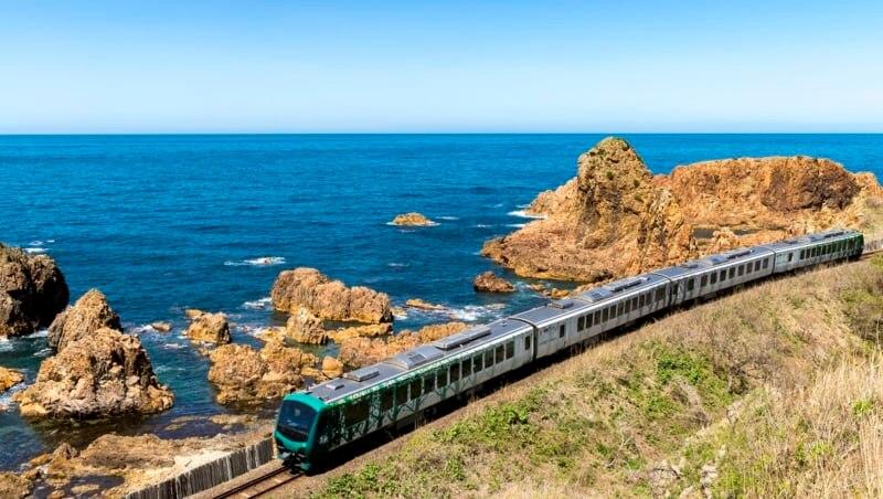JR五能線「リゾートしらかみ」をリピーターが案内。座席予約&観光名所