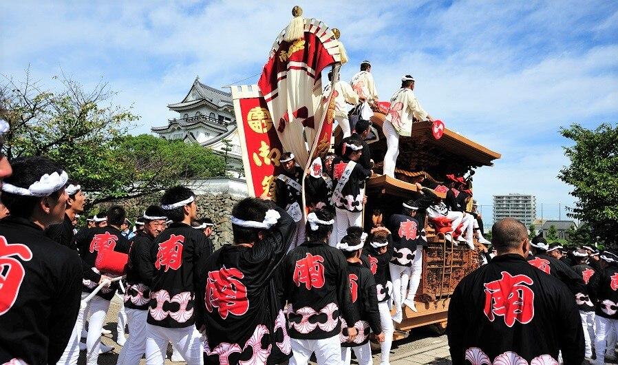 迫力満点の岸和田だんじり祭りは必見!大阪府岸和田市のお祭り4選