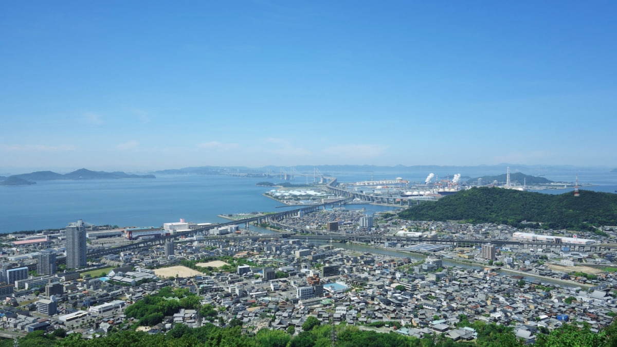ドライブ観光にもデートにもおすすめの絶景スポット「聖通寺山展望台」