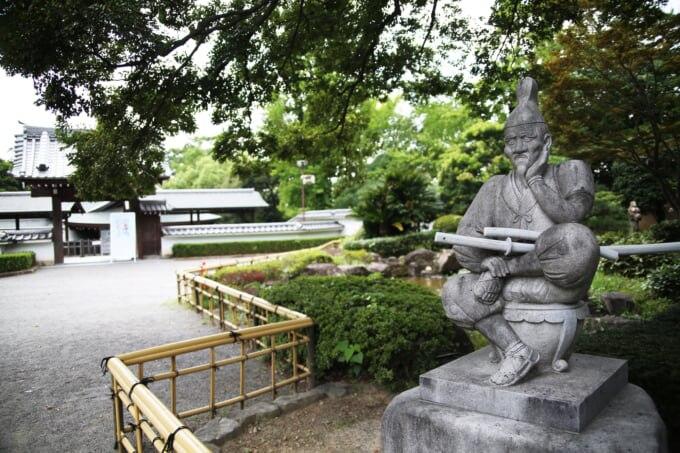 岡崎城のしかみ像