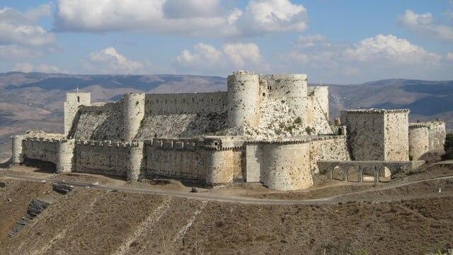 十字軍の歴史を物語る世界遺産!クラック・デ・シュヴァリエとサラディン城