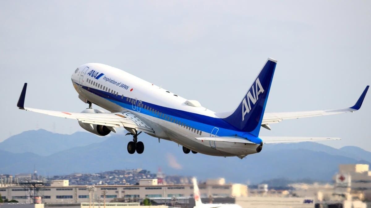 【東京⇔大阪の移動】新幹線VS飛行機VS高速バス!運賃・サービスなどを徹底比較!