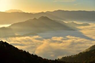 高ツムジ山の雲海