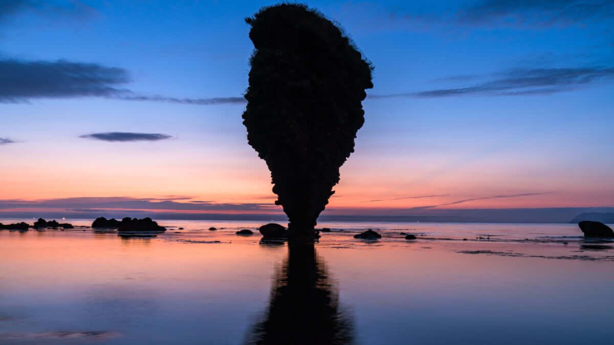 【余市/えびす岩】なぜか倒れない不思議自然アート!大黒岩・ローソク岩もご紹介