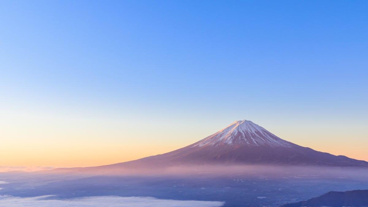 美しい富士山を空から!FDA 名古屋小牧空港発着 富士山遊覧フライトを開催