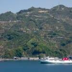 海を渡る宇和島運輸フェリー