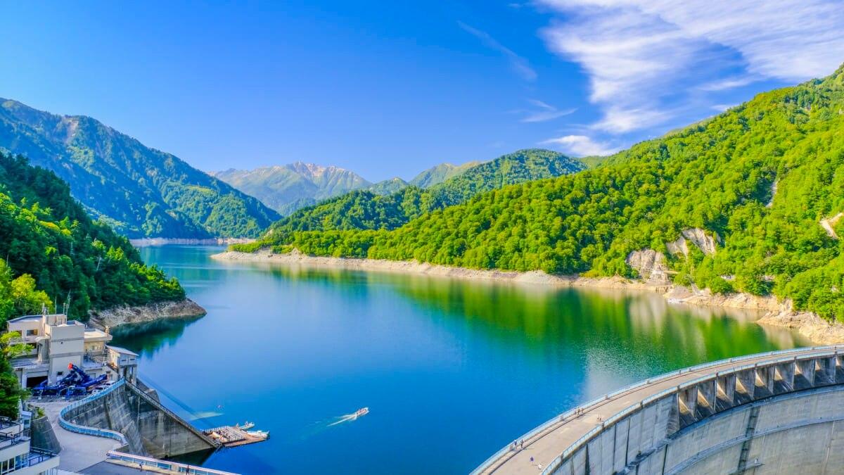 大迫力の「黒部ダム」を徹底ガイド!五感で楽しむビッグスケールの観光