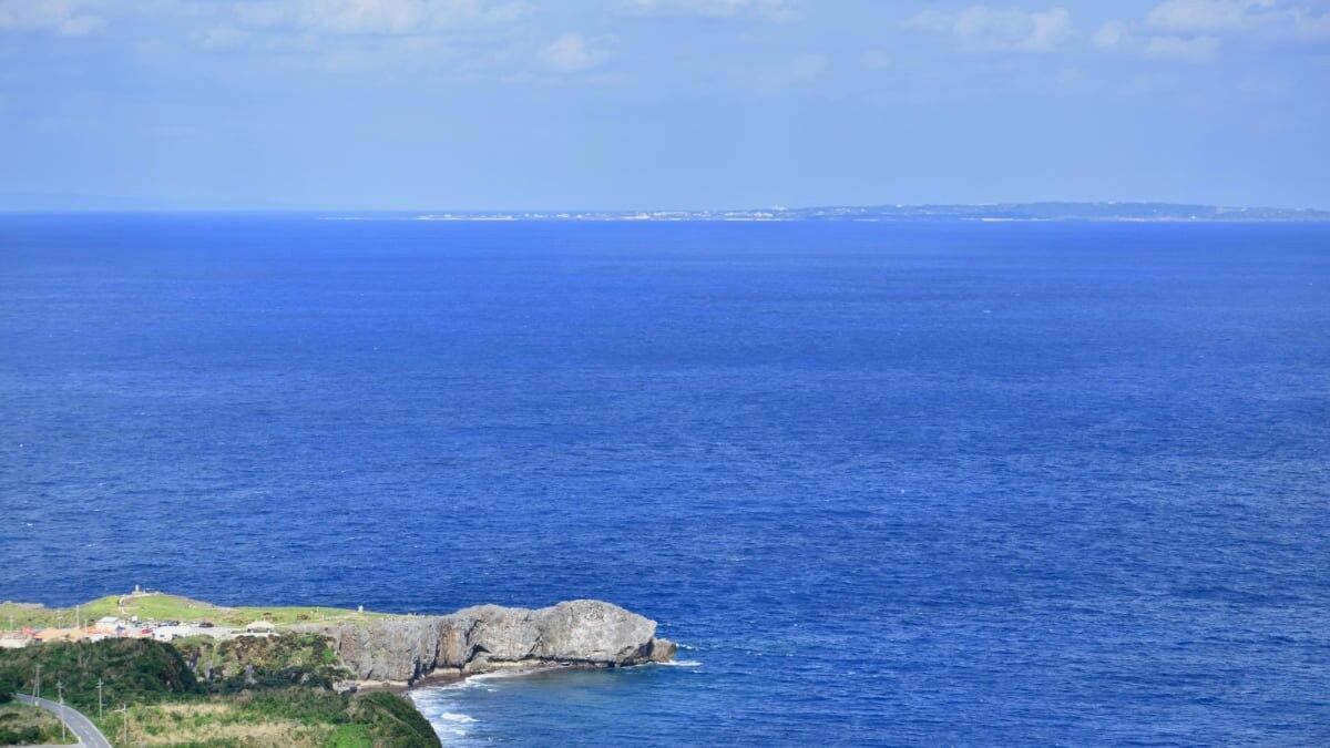 【辺戸岬】海の向こうは鹿児島県!沖縄本島最北端の絶景を堪能