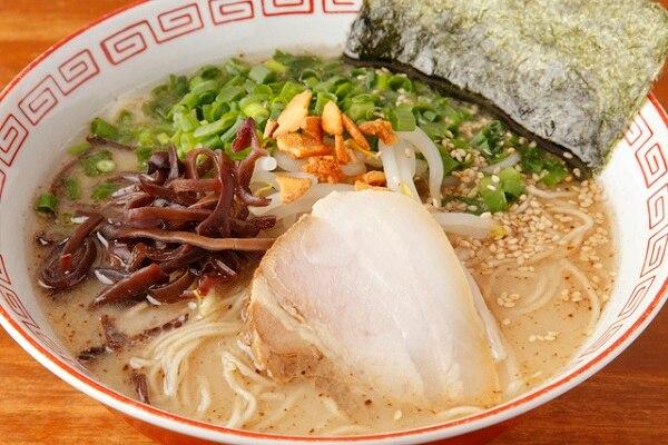 愛媛県松山市の豚骨ラーメン4選!久留米に家系、二郎系も…